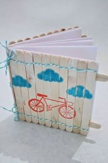 In My Blue Room: Popsicle Stick Notebook with The Twinery and Poppy. Lou sez, love the notebook and the popsicle sticks look just like a picket fence to me. I'd give it a little more white wash and a floral border at the bottom and. Lollypop Stick Craft, Popsicle Stick Crafts For Kids, Popsicle Sticks, Popsicle Art, Craft Stick Projects, Craft Stick Crafts, Crafts To Make, Fun Crafts, Simple Crafts