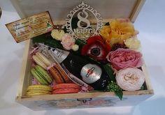 «Цветочница» арт-студия, Цветочница Нижний Тагил - Цветы как искусство! Цветы и букеты с доставкой по городу! Букеты, шляпные коробки с цветами, коробки с макарунами. Оформление свадеб, букеты невест, бутоньерки для жениха.