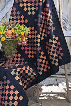 = free pattern = Pumpkin Patch plaids quilt at Andover Fabrics Autumn Warmth Primitive Quilts, Amish Quilts, Scrappy Quilts, Strip Quilts, Patch Quilt, Quilt Blocks, Quilt Kits, Halloween Quilt Patterns, Halloween Quilts