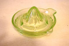 Vintage Hazel Atlas Green Depression Glass Reamer/Juicer (1940) #HazelAtlasGlassCompany