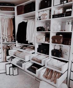 Walking Closet, Bedroom Closet Design, Closet Designs, Interior Design Career, Interior Ideas, Interior Doors, Interior Lighting, Interior Decorating, Decorating Ideas