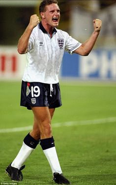 England kits: Paul Gascoigne - 1990 World Cup England Football Players, Best Football Players, National Football Teams, World Football, Soccer Players, Football Season, Football Icon, Retro Football, Football Kits