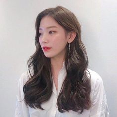 Healthy hair is one of the most important factors of beautifully straight hear. Korean Hairstyles Women, Redhead Hairstyles, Korean Hairstyle Long, Permed Hairstyles, Pretty Hairstyles, Straight Hairstyles, Japanese Hairstyles, Asian Hairstyles, Men Hairstyles