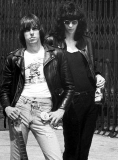 Johnny and Joey Ramone photographed by Bob Gruen