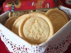 Vánoční máslové sušenky pro mlsné jazýčky Christmas Sweets, Christmas Candy, Christmas Baking, Christmas Cookies, How To Cook Rice, What To Cook, Pro Cook, Cooking Wild Rice, Czech Recipes