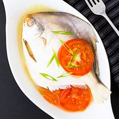 How to Make Fish Pinangat (Fish Soured in Calamansi and Tomatoes)