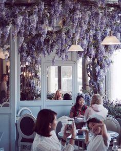 How pretty is this place?! #aubaine #selfridges #oxfordstreet #oxfordstreetlondon #flowercafe #cakelover #coffeedate #londoncity #londoncakes #londoncafes #prettylittletrips