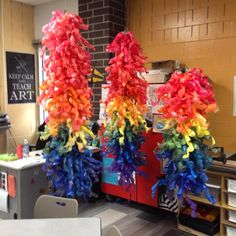 How to create a dale chihuly water bottle sculpture (as large as you want) with your [art] students, any age - step by step, links to materials, pictures, Collaborative Art Projects, School Art Projects, Auction Projects, Dale Chihuly, Sculpture Lessons, Sculpture Art, Sculpture Projects, Sculpture Ideas, Middle School Art