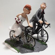25 Outrageous Wedding Cake Toppers That Makes Any Worth Going To