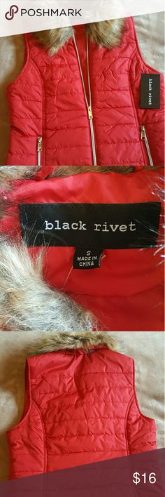 Valentines Sale! *NWT *puffy vest with faux fur collar  *size S Jackets & Coats Vests