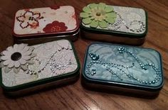Altoid boxes repurposed - cute!  Great to keep your cards and ID in when going out with a small purse.