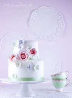 Vintage Doily & Rose Cake