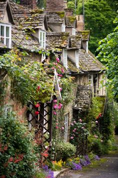 The Cotswolds I REALLY want to go here some day.