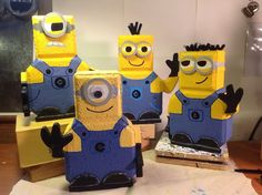 Minions from Despicable Me patio pavers Painted Bricks Crafts, Brick Crafts, Painted Pavers, Cement Pavers, Brick Pavers, Painted Rocks, Fun Crafts, Diy And Crafts, Arts And Crafts