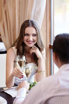 16 First Date Tips for Guys to Charm Your Date!