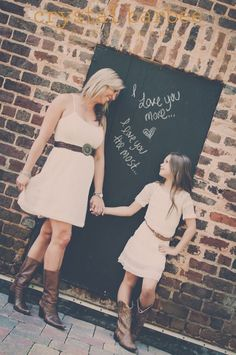 Graduate/Mom Holding chalkboard signs I love you. I love you more - Mother Daughter Combination, Mommy Daughter Pictures, Mother Daughter Pictures, Mother And Child, Mother Daughters, Mothers, Mommy And Me Photo Shoot, Mother Daughter Photography, Mother's Day Photos, Teenager
