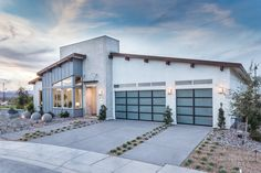 Search for new homes in Las Vegas. Pardee Homes builds green, and sustainable houses, cascades, bungalows, townhomes in sought-after locations. Pardee Homes, Las Vegas, Open Family Room, Mid Century House, Home Builders, Luxury Homes, Building A House, House Plans, New Homes