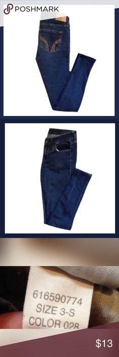"HOLLISTER Skinny Jeans Gently used HOLLISTER skinny jeans; Size 3 Short / Measures 26"" length ***BUNDLE AND SAVE *** Hollister Jeans Skinny"