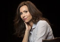 """Who Do You Think You Are?"" Season Finale: Minnie Driver Traces English Roots"