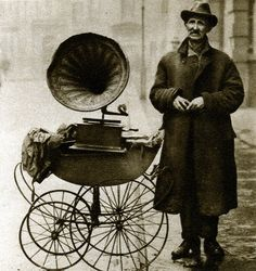 London in the 1920's: street gramophone player