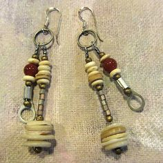 Ro Bruhn - Earrings with old mother of pearl buttons