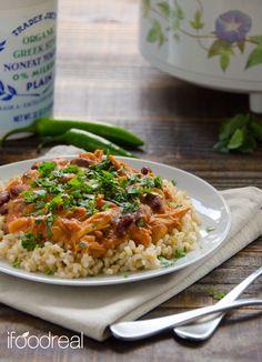 Slow Cooker Chicken Chili Con Queso