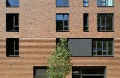 Fassadenausschnitt Hongkongstrasse, © Hagen Stier Brick Bonds, Brick Detail, Student House, Brick Tiles, Social Housing, Brick And Stone, Brick Building, Brickwork, Facade Architecture