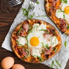 Ham and Breakfast Pizza makes pizza for breakfast totally legit!