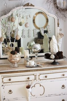Shabby Chic-ish Christmas decor! Seriously, check out her blog if you like vintage/shabby chic/nick-knacks!