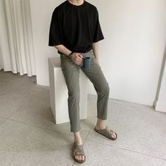 Stylish Mens Outfits, Casual Outfits, Fashion Outfits, Mode Man, Korean Fashion Men, Men Style Tips, Korean Outfits, Minimal Fashion, Mens Clothing Styles