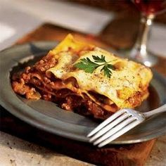 Lazy Lasagna Bolognese @keyingredient #cheese #chicken #vegetables #casserole #italian