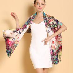Vkusný a elegantný dámsky hodvábny šál v pestrých farbách