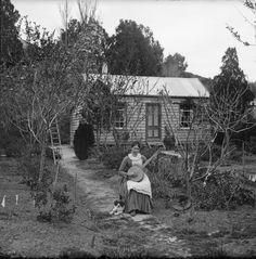 Lydia Williams plays the Banjo, Napier, NZ 1888