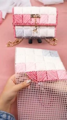Checkout for women's bag collection.  #bag #affiliate Diy Handbag, Diy Purse, Crochet Basket Pattern, Crochet Patterns, Knitting Patterns, Diy Bags Tutorial, Crochet Bag Tutorials, Hand Embroidery Videos, Diy Crochet And Knitting