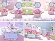 Poner el nombre del festejado en tarjetitas bonitas en los panquecitos  Sweet Table - Mesa de Postres