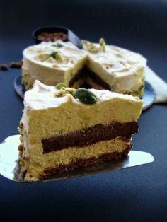 Una torta eccezionale, una versione modificata della famosa Diabella alla nocciola di Montersino. E' bastato sostituire la nocciola co...