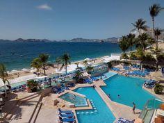 Disfruta de la belleza de nuestro paisaje... ¡ViveAcapulco! Para reservar, llámanos sin costo: 01800-272 02 13