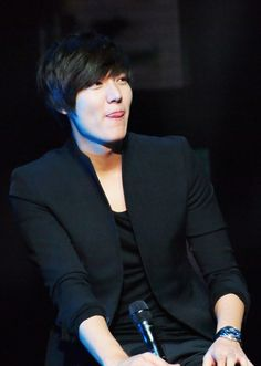 I don't know who this is, but he sticks his tongue out a lot.  Tongue too big for mouth? Lee Min Ho's habit