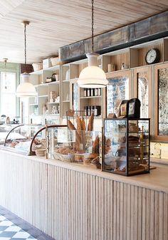 16 small cafe interior design ideas the barn кафетерии, кафе Bar Deco, Cafe Display, Wood Display, Display Design, Wall Design, Display Ideas, Cafe Counter, Counter Top, Cafe Interior Design