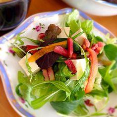 味と食感に変化があって美味しい。 - 17件のもぐもぐ - 塩麹豆腐とカリカリベーコン入りサラダ by lavender3