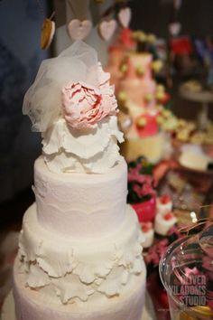 Pastel de bodas / Wedding Cake by Sarova Catering #cakes