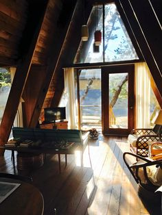 Airbnb house ideas Cabins And Cottages: Cabins And Cottages: Cabin Life A Frame Cabin, A Frame House, Tiny House Cabin, Cabin Homes, Tiny Homes, Airbnb House, Wood Houses, Cabins And Cottages, Cabins In The Woods