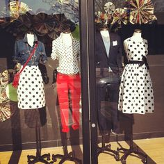 Denim and polka dots = perfection! J Crew Outfits, Casual Outfits, J Crew Style, Style Me, Classic White Shirt, Boutique Ideas, Shop Windows, Red Bags, Window Shopping