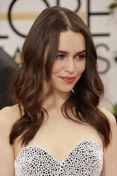 January Annual Golden Globe Awards - 0112 17 - Adoring Emilia Clarke - The Photo Gallery British Actresses, Hollywood Actresses, Actors & Actresses, Beautiful Celebrities, Beautiful Actresses, Emilia Clarke Sexy, Emilie Clarke, Emilia Clarke Daenerys Targaryen, Mother Of Dragons