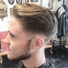 Instagram media by martincutshair - Tack för idag man! En trevlig low skinfade! #gentlemen #barberare #barbercuts #barbershop #barbershopgbg #herrfrisör #herrfrisörgbg #sidepart #skinfade #sissorovercomb #cleancut #andis #andisclippers #excellentedges