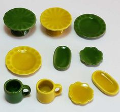 10-Piece Dollhouse Miniature Ceramic Set *Doll Mini Plates Cups Mugs Dishes c140 #Unbranded