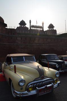 Buick Eight (© Claus Mueller) http://www.classicmotourist.blogspot.de/2015/02/21-gun-salute-rally-new-delhi.html