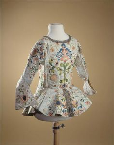Women's embroidered jacket, French, second quarter, 18th c. Galliera musée de la Mode de la Ville de Paris