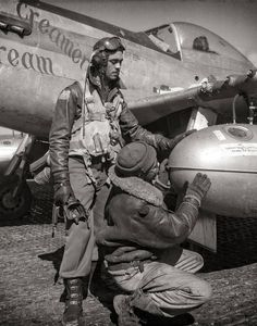"""March) Tuskegee airman Edward C. Gleed, Lawrence, KS, Class with an unidentified crewman adjusting an external seventy-five gallon drop tank on the wing of a """"Creamer's Dream. Plane And Pilot, Tuskegee Airmen, American Photo, African American Art, Fun Prints, Black History, Wwii, Photo Art, Nostalgia"""