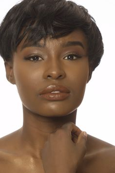 lip colors for pale brunettes Grey Lipstick, Glossier Lipstick, Lipstick Shades, Liquid Lipstick, I Love Black Women, Black Is Beautiful, Beautiful Pictures, Cool Skin Tone, Good Skin